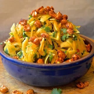 Spicy Papaya Salad With Smoky Roasted Peanuts