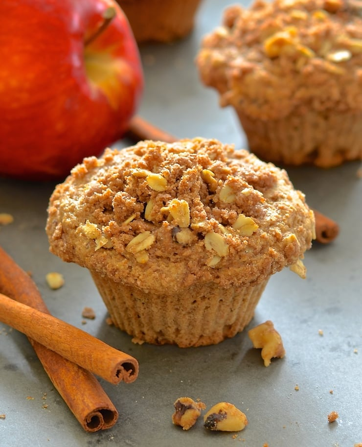 Deliciously soft & fluffy apple muffins, loaded with sweet, tender fruit and topped with an irresistibly crumbly, cinnamony, streusel topping. Want one?