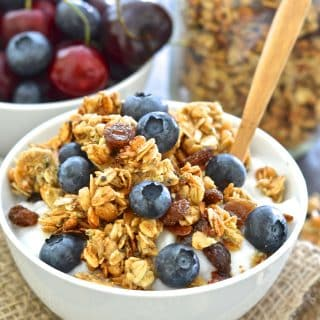 Energy boosting, healthy & oil-free, this Almond Hemp Granola makes a fantastic breakfast or snack. Great served with yogurt & fresh fruit or a splash of cold plant-based milk, or even by the handful!