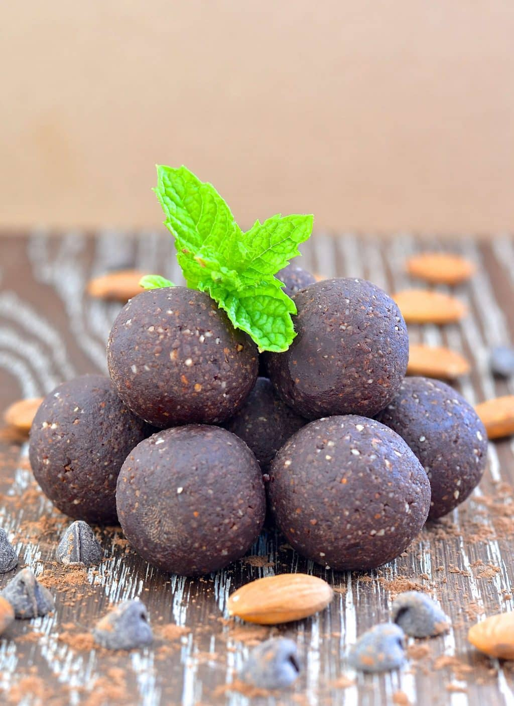 Homemade Larabar Bites - Mint Chocolate Truffle - A Virtual Vegan