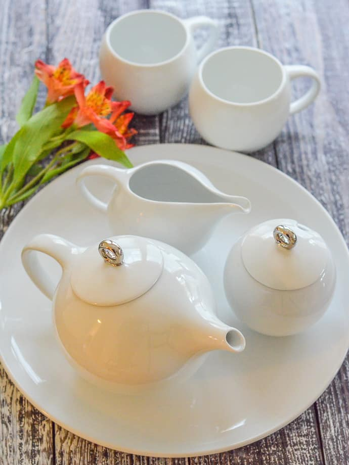 Maia Ming Designs Tea Set to accompany Earl Grey Vegan Cake with Lemon Frosting