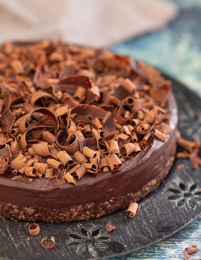 Simple to make with only 8 ingredients (plus salt), this No-Bake Espresso Chocolate Fudge Cake is here to rock your dessert world.  It's intensely rich and fudgy chocolate perfection, that needs no baking and is gluten-free with a nut-free option too. Where's my fork?