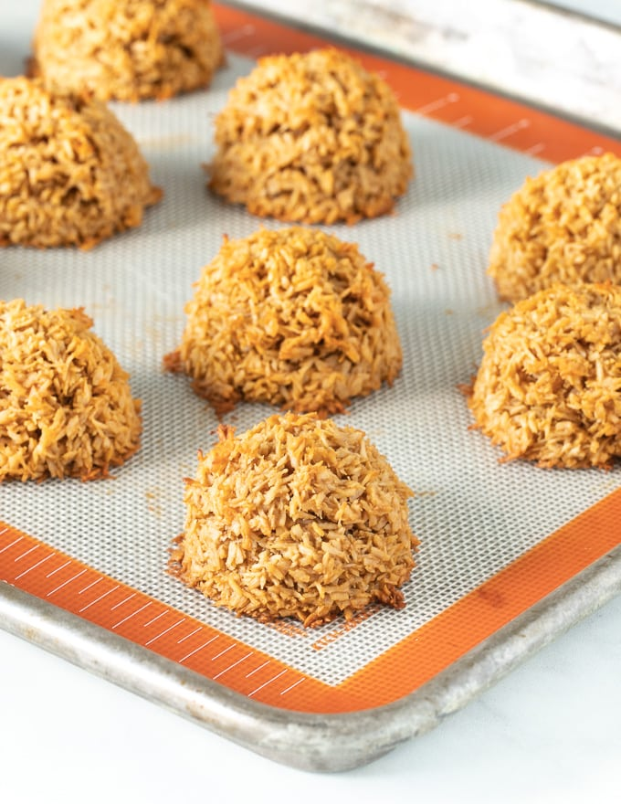 vegan coconut macaroons on a baking tray