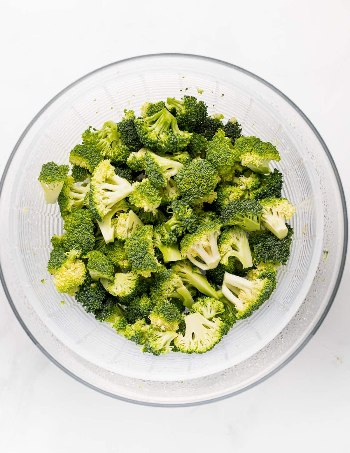 a bowl of broccoli florets