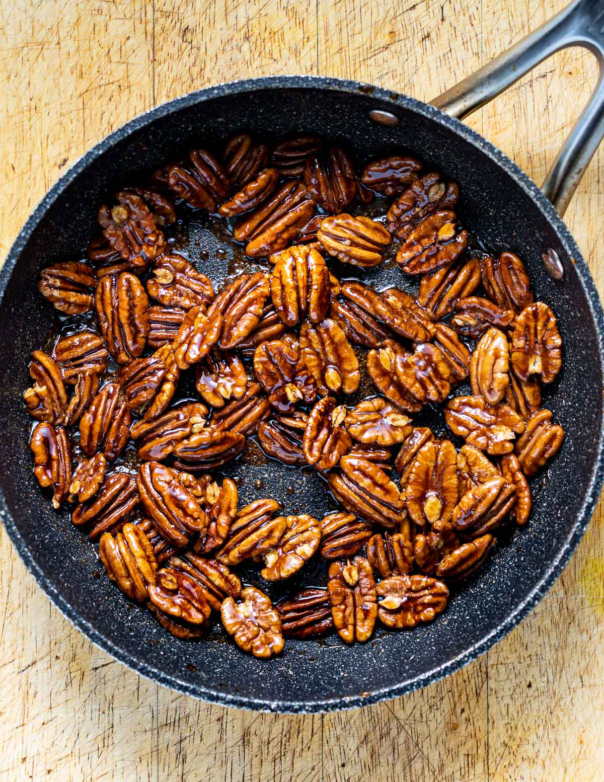 candied pecan in a pan