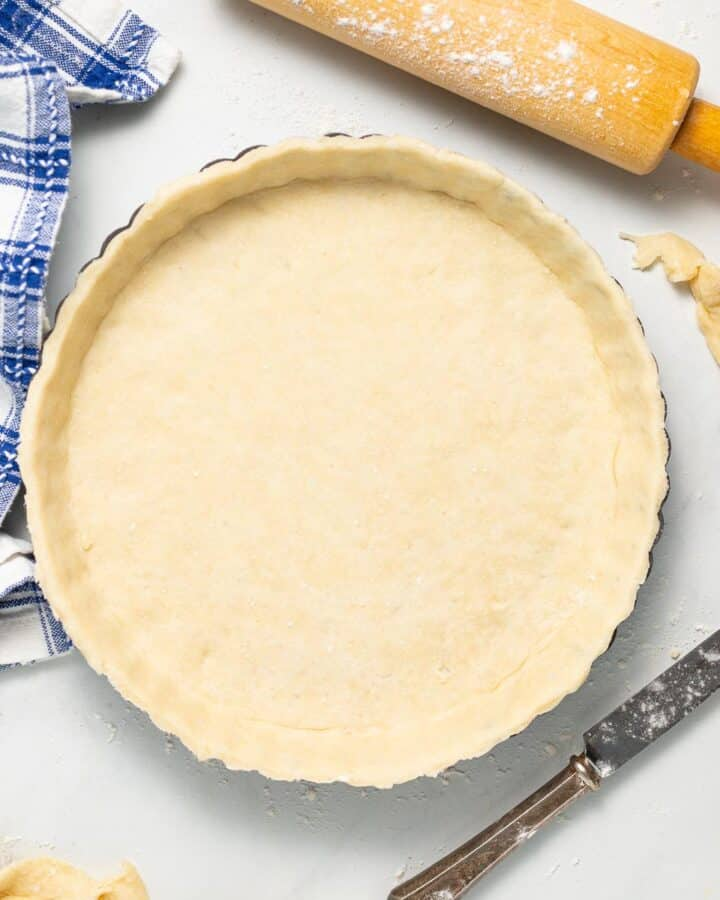 an uncooked pie crust