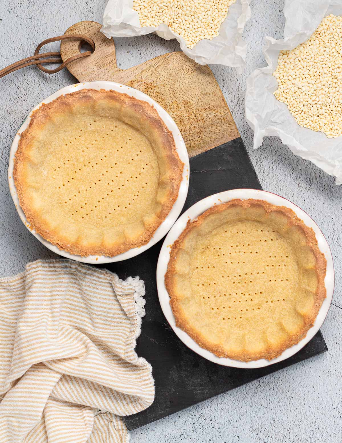 2 baked pie crusts